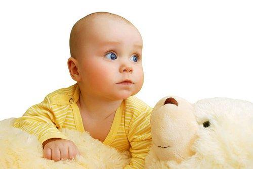 Желтуха у новорожденных: причины, когда должна пройти, лечение в домашних условиях и чем она опасна