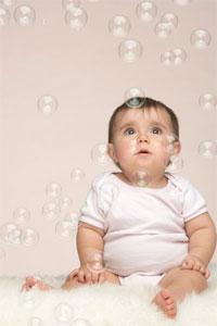 показатели развитиz ребенка в 8 месяцев