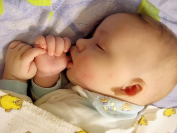 1 месяц жизни ребенка