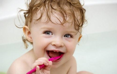 Портятся зубы у детей