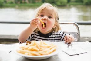 Ребенок не ест, что делать