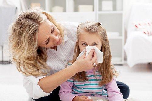 У ребёнка температура 37°С: норма и отклонения, причины, диагностика