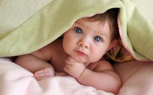 Ребенок просыпается ночью и играет: что делать родителям