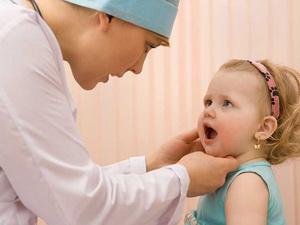 Симптомы, причины и лечение афтозного стоматита у детей
