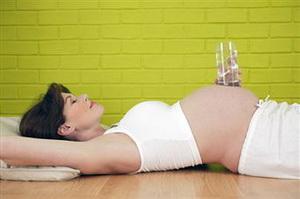Какой и сколько воды пить при беременности