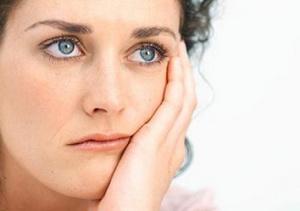 Гормональный сбой после родов: причины, симптомы, лечение