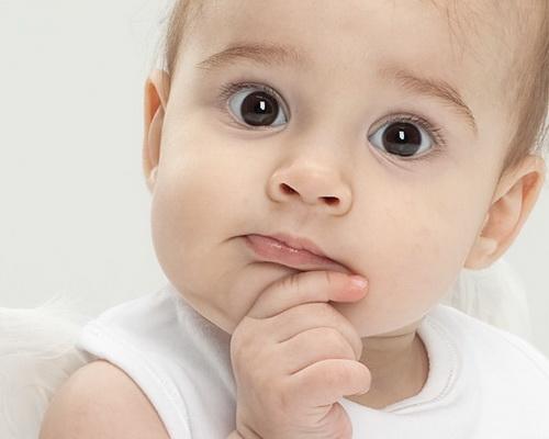 Что делать, если у ребенка закисают глаза