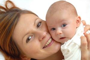 У новорожденного маленький родничок