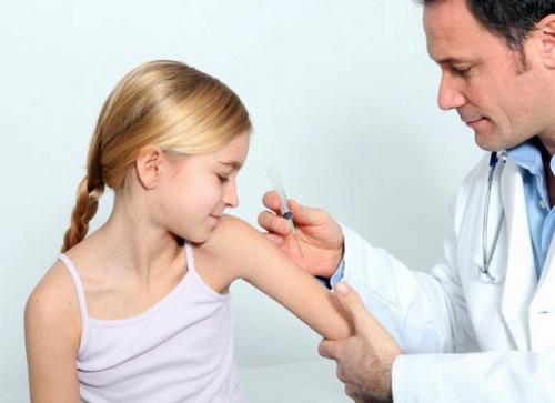 Осложнения после прививки АДСМ