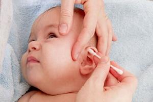 Сера в ушах у ребенка
