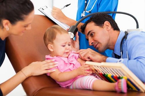 Воспаление уха у ребенка: лечение