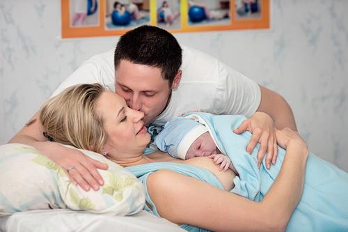 Домашние роды: за и против, подготовка, стимуляция, как принять