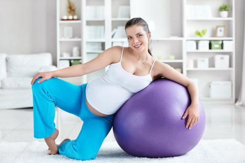 Упражнения для родов: зачем нужны, подготовка, стимуляция, от боли