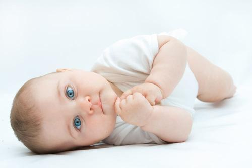 Крапивница у детей: причины, симптомы, способы лечения (крема, мази)