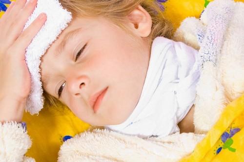 Фолликулярная ангина у детей: симптомы и лечение (дома, в стационаре)