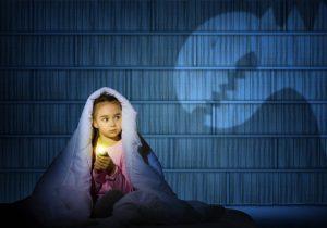 темноты 300x210 - Как вылечить испуг у ребенка?